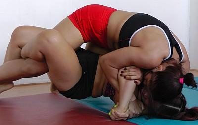 Gabi wrestles Minxy Li